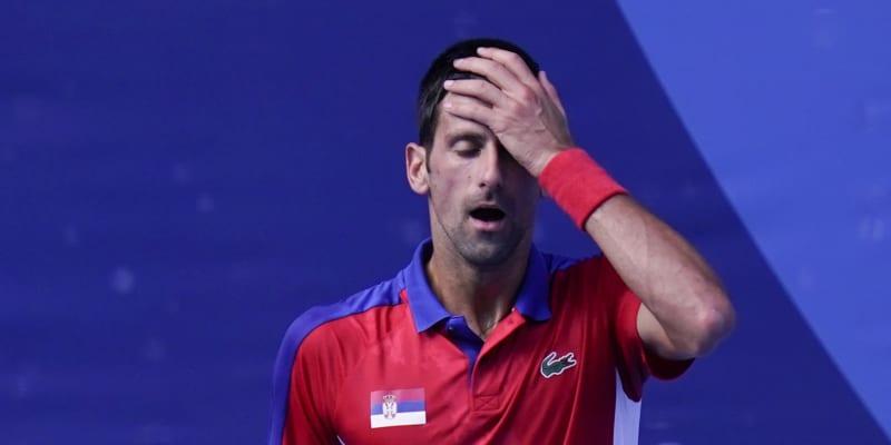 Tenista Djokovič podlehl v Tokiu i Carreňovi a na olympijský bronz nedosáhl.