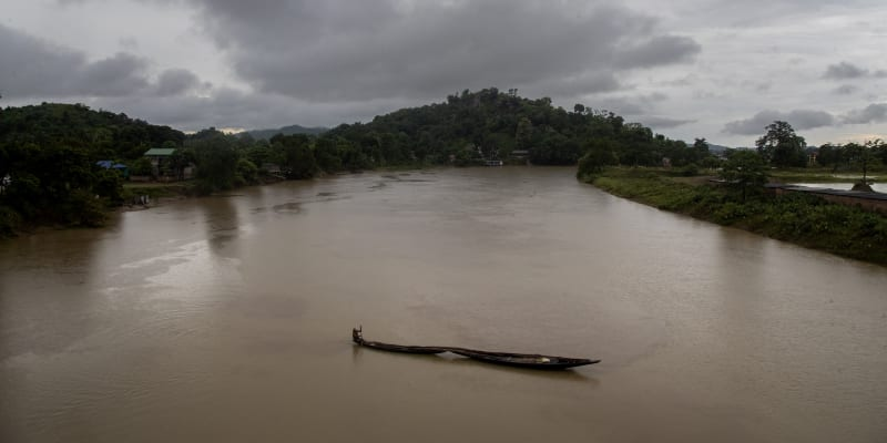 Sedm osob se utopilo a další se pohřešují.