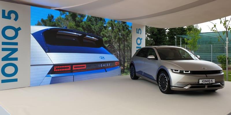 Hyundai Ioniq 5 se představil v pražské botanické zahradě, kterou bude sponzorovat.
