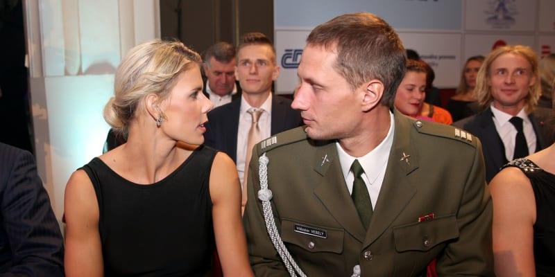 Vítězslav Veselý s přítelkyní, oštěpařkou Nikolou Ogrodníkovou, na vyhlašování ankety Atlet roku 2016.