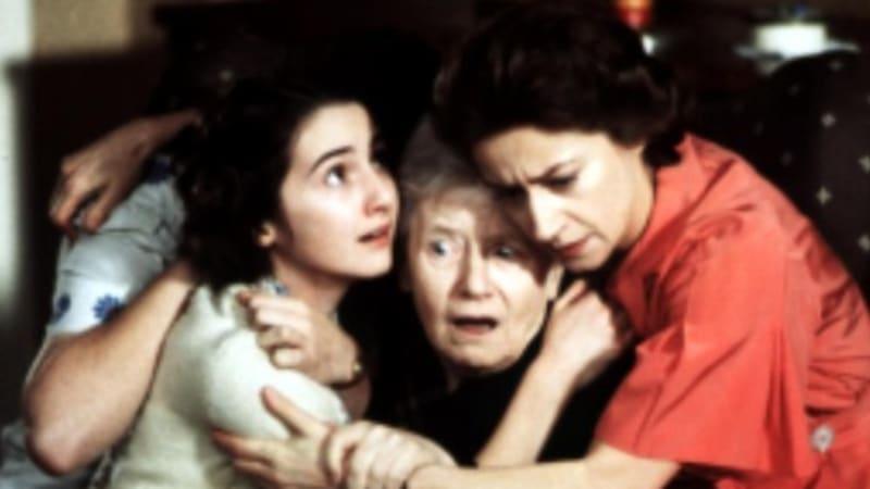 Zemřela ikonická postava z filmu Rafťáci. Svou dceru přežila o deset let