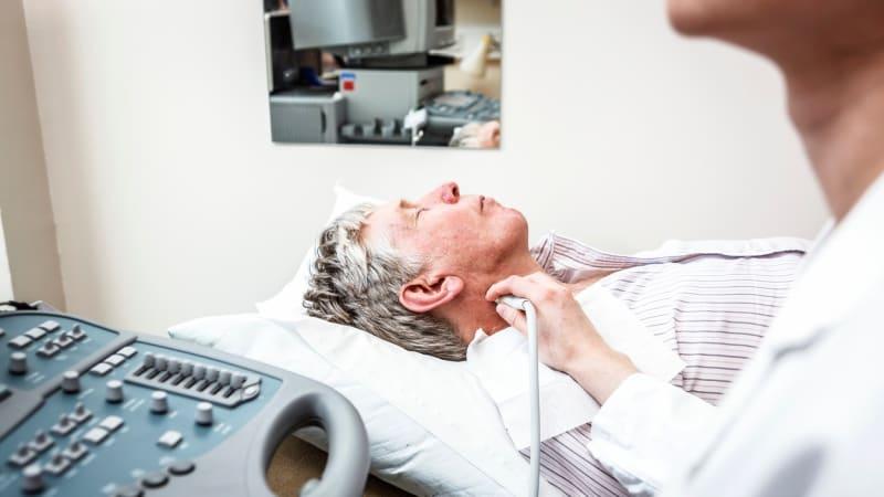 Praktičtí lékaři chtějí do ordinací ultrazvuky kvůli lepší diagnóze. Pojišťovny jsou proti