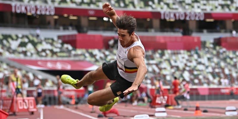 Thomas Van der Plaetsen se při svém skoku nešťastně přetočil.