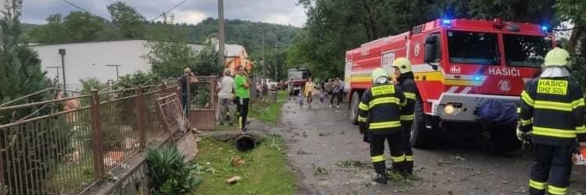 Východním Slovenskem se prohnalo tornádo. V obci Petkovce jsou domy bez střechy