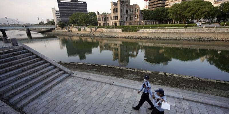 Nepříliš veselou historii moderní Hirošimy připomíná Atomový dóm v centru města.