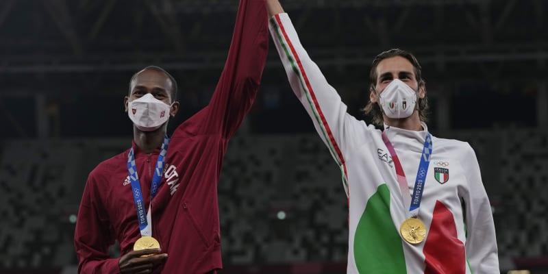 Dva zlatí. Závod ve skoku vysokém skončil historickým momentem – zlato získali po shodném výkonu jak Katařan Mutaz Essa Baršim, tak Ital Gianmarco Tamberi. Dva kamarádi dostali na výběr: Buď se o šampionovi rozhodne v rozeskakování, nebo berou první místo oba. Zvolili druhou možnost.