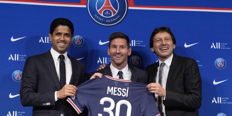 Šťastný Lionel Messi poté, co byl oficiálně představen jako nový hráč PSG.