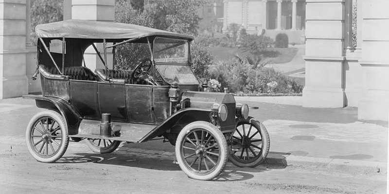 V roce 1900 se na severu Moravy stala první smrtelná dopravní nehoda automobilu ve střední Evropě.