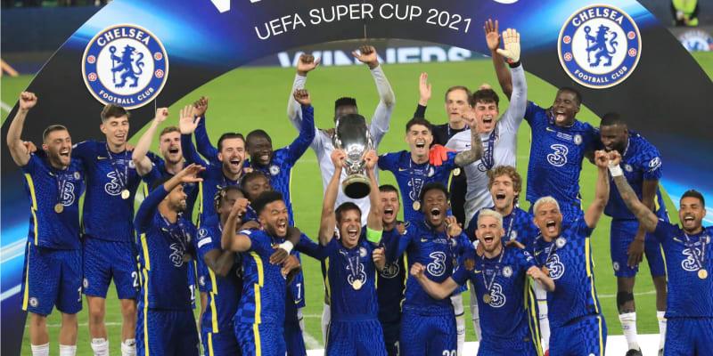 Chelsea na penalty porazila Villareal a získala Superpohár.