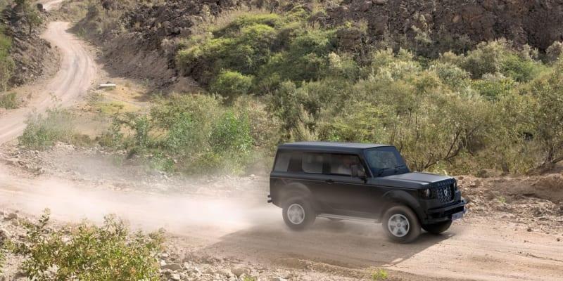 SUV a off-road Mobius II pro Afriku.