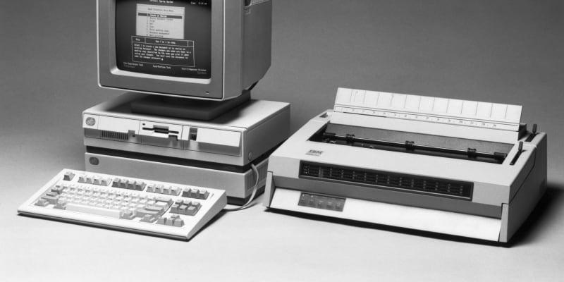 K PC postupně přibývala i další doprovodná zařízení jako tiskárny.
