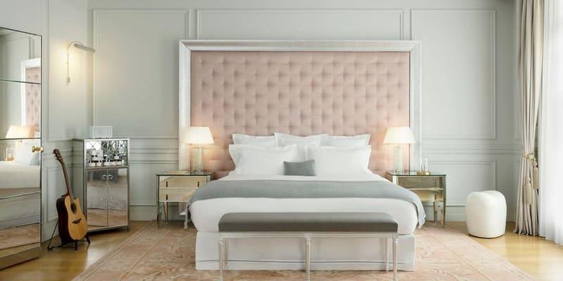Interiér luxusního hotelu v centru Paříže