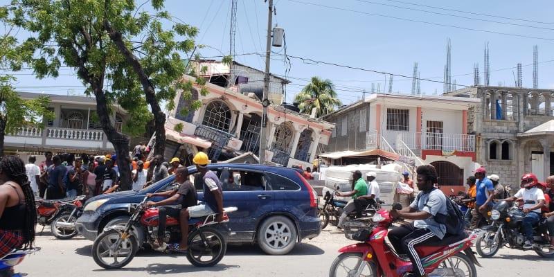 Následky ničivého zemětřesení na Haiti