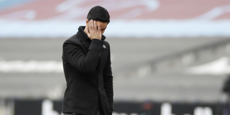 Trenér Arsenalu Mikel Arteta je mezi fanoušky stále méně oblíbený.