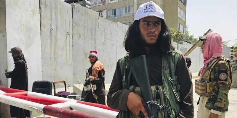 Tálibán obsadil klíčová afghánská města bleskovou rychlostí, podíl na tom měla mít údajně i rychlá komunikace mezi povstalci.