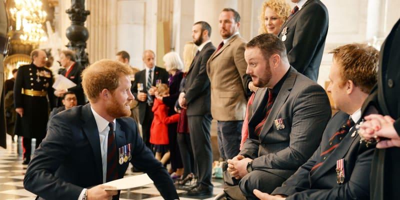 Princ Harry podporuje válečné veterány.