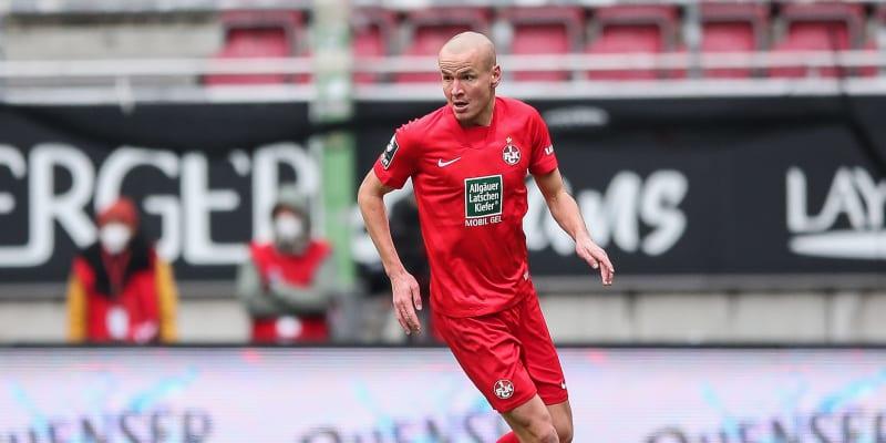 Obránce Adam Hloušek odehrál sezonu 2020-2021 za německý třetiligový klub 1. FC Kaiserslautern.