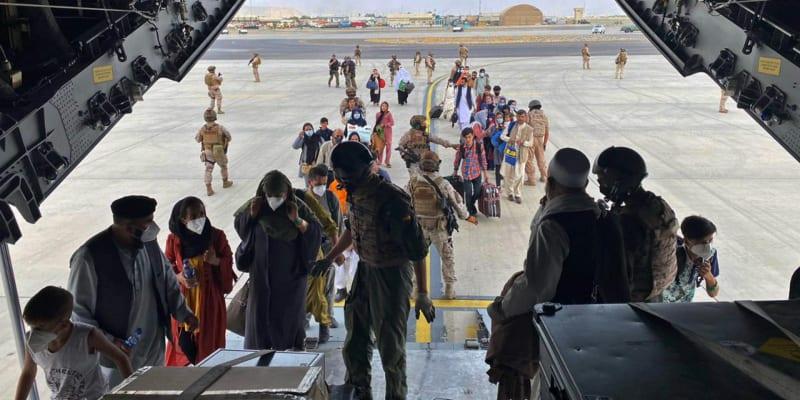 Letiště jsou jedinou cestou, jak se dostat z Afghánistánu