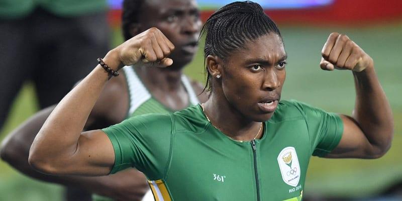 Jihoafrická běžkyně Caster Semenyaová nemůže na vrcholných akcích závodit od roku 2018 kvůli vysoké hladině testosteronu.
