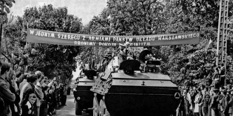 Vítání polských okupačních vojsk po návratu do vlasti v říjnu 1968