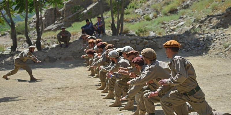 Do údolí se stáhli také příslušníci afghánských vládních jednotek.