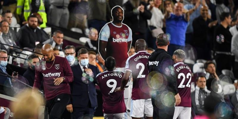 Velmi kuriózní oslava Michaila Antonia v zápase s Leicesterem City, ve kterém se stal nejlepším střelcem v historii West Hamu.