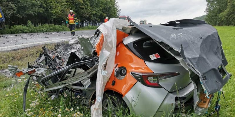 Na silnici mezi Mladou Boleslaví a Českou Lípou došlo ke smrtelné nehodě.