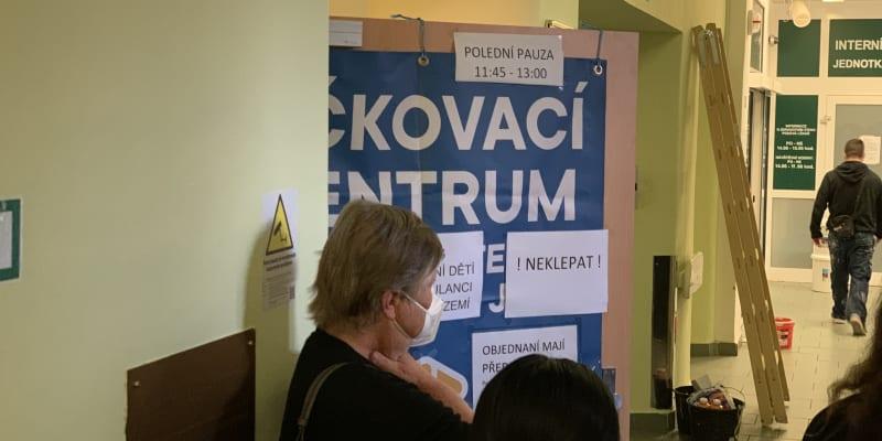 Očkování nezletilých v nemocnici v Teplicích