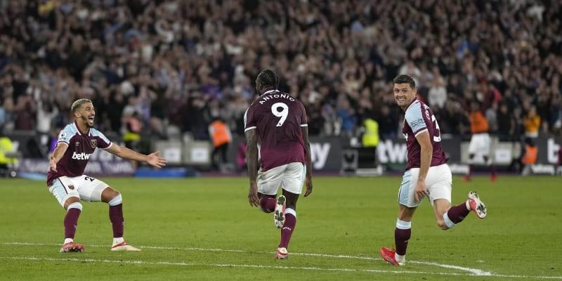 Velká radost na stadionu West Hamu