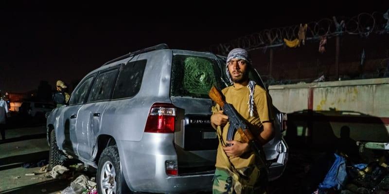 Při explozi v Kábulu přišli o život také bojovníci Tálibánu.