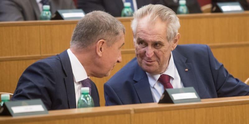 Velitelské shromáždění náčelníka generálního štábu Aleše Opaty k objasnění priorit a hlavních úkolů české armády v roce 2019. Fotografie z roku 2018