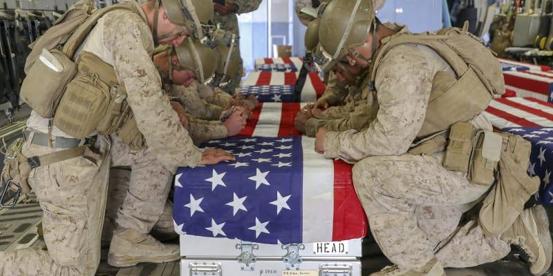 Do USA byli převezeni také těla vojáků, kteří zemřeli během misí.