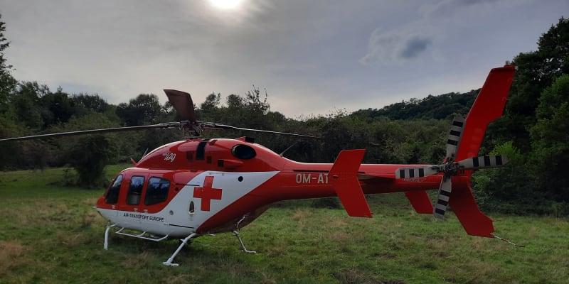 Záběry ze záchrany ženy, kterou na Slovensku pokousal medvěd. (zdroj: Air-Transport Europe, letecká záchranná služba)