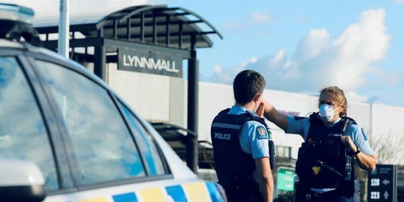 Policie zastřelila teroristu do jedné minuty od prvního útoku.