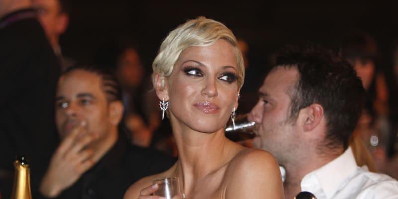 Zpěvačka dívčí skupiny Girls Aloud – Sarah Harding zemřela. Podlehla rakovině prsu.