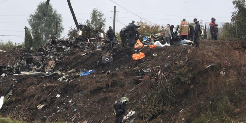 Děsivý pohled na břeh Volhy, kam se zřítilo letadlo s hokejovou Jaroslavlí.