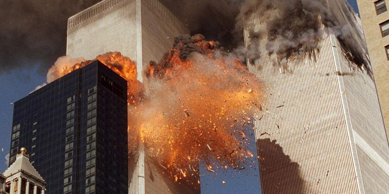 Do mrakodrapů Světového obchodního centra narazily 11. září 2001 dopoledne dvě letadla s teroristy.