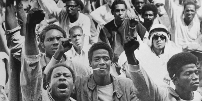 V září 1971 otřásla vzpoura téměř 1 300 vězňů v nápravném zařízení Attica na severu státu New York celým národem.