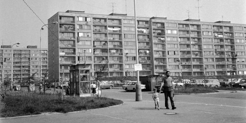 Všední den na Jižním Městě. Snímek z roku 1981