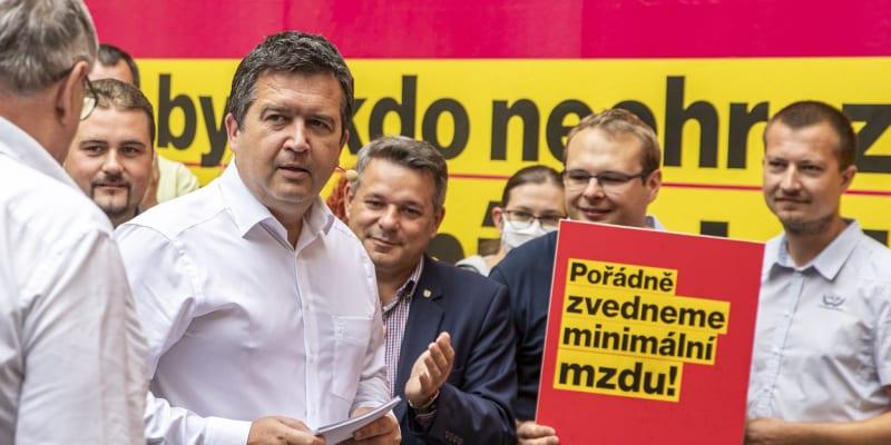 Zahájení kampaně ČSSD proběhlo na dvoře Lidového domu.