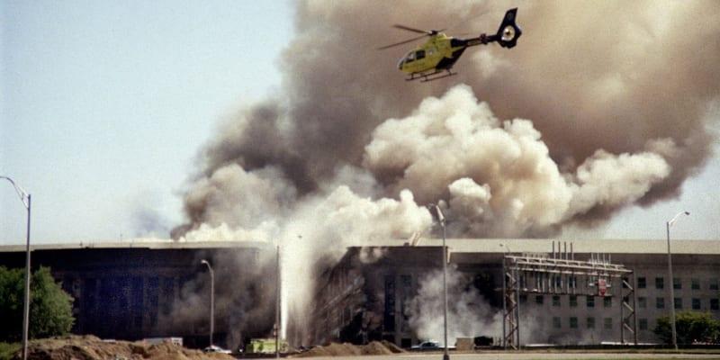 Letoun s teroristy narazil do Pentagonu po půl desáté dopoledne 11. září 2001.