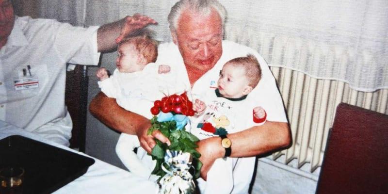 Po dlouhé nemoci zemřel 27. srpna dlouholetý primář mladoboleslavské nemocnice a významný český pediatr Erich Novák.