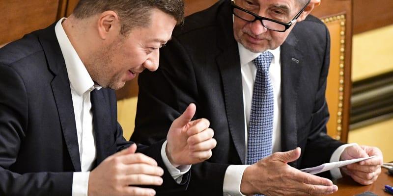 Premiér Andrej Babiš (ANO) a šéf SPD Tomio Okamura ve Sněmovně