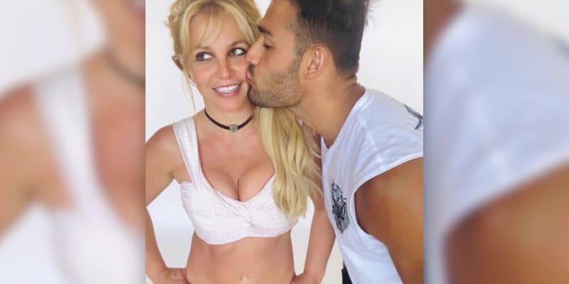 Asghari se Spearsovou chodí od roku 2016. (Zdroj: Britney Spears)