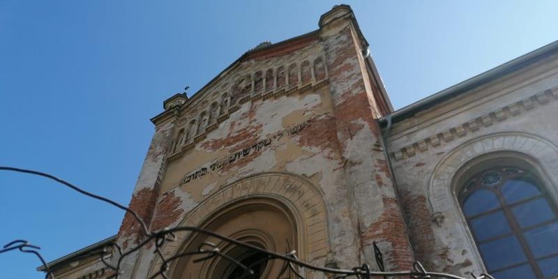 Bytča, zdevastovaná židovská synagoga
