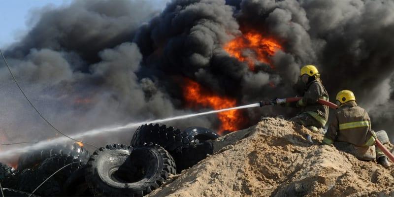 Na skládce pneumatik často hořelo.