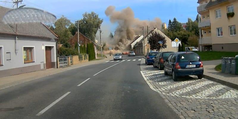 Při výbuchu rodinného domu v Koryčanech ve Zlínském kraji zemřeli dva dobrovolní hasiči.