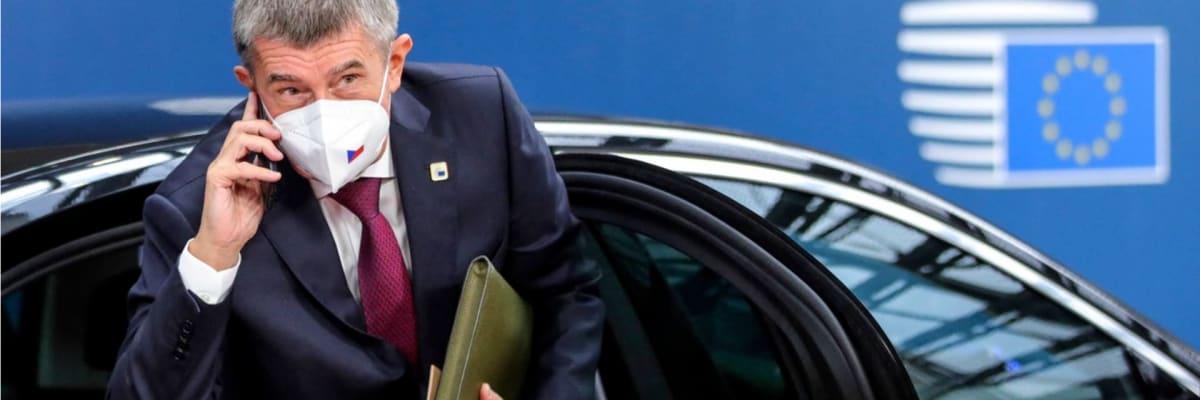 ANO už unii tolik nefandí, PirSTAN chce euro. Co strany slibují v zahraniční politice?