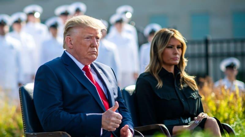 Trump prožíval volební noc, jeho žena spala. Co o Melanii prozradila nová kniha?