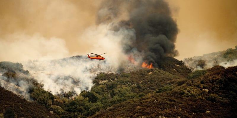 Kalifornii opět sužují požáry.
